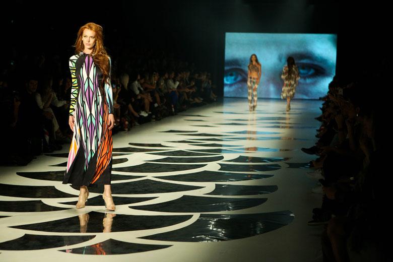 Desfile na Fashion Week 2015